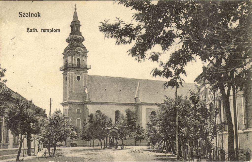 Szolnok belvárosi templom képeslap